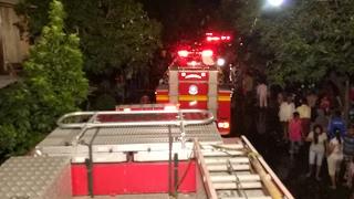 Download Damkar Surabaya Merespon Kebakaran Rumah Kost Jl. Bolodewo - Situasi Merah Mp3 and Videos