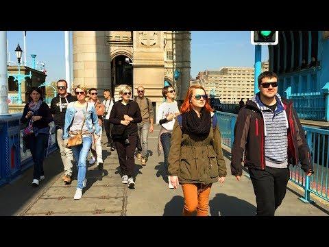 LONDON WALK | Crossing Tower Bridge | England