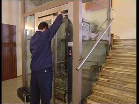 Ascensore pedana elevatrice montacarichi da interno a - Mini ascensori da interno ...