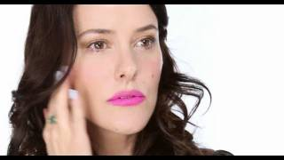 How To Wear Really Bright Lipstick Tutorial
