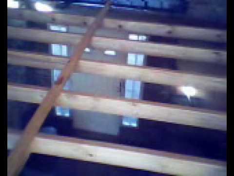 Haciendo el entrepiso de las piezas youtube - Como hacer un altillo de madera ...