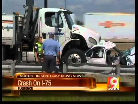 Crash halts traffic on I-71/75 in N Ky