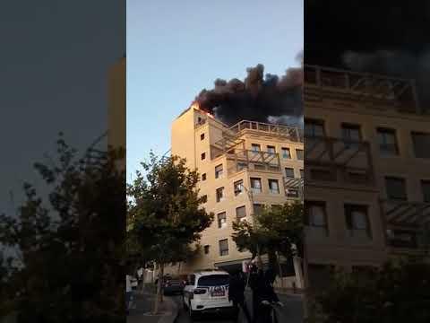 השריפה ברחוב הנביאים. צילום: יהודה אידינוב, כבאות והצלה מחוז ירושלים