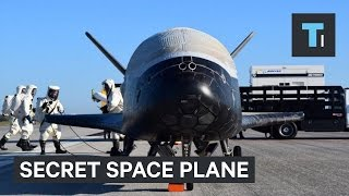 Video The US Air Force's Top-Secret Plane Lands After 2 Years In Orbit — And No One Knows Why download MP3, 3GP, MP4, WEBM, AVI, FLV Juli 2018