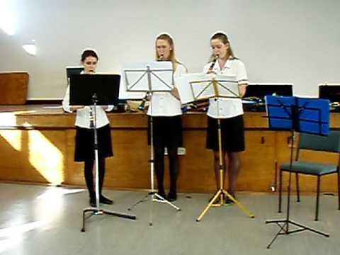 Orewa Craft Market NZ handmade gifts music from Clarinet Trio