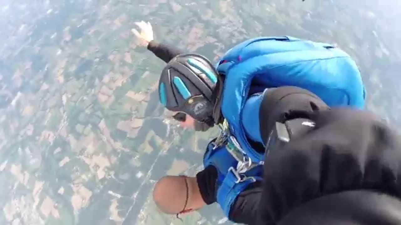 Saut parachute tandem vannes dh youtube - Saut parachute vannes ...