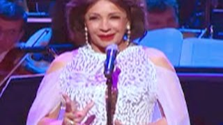 Watch Shirley Bassey Volveras video