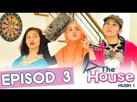 The House Keluarga Maembong - Siapa Lelaki Berbaju Biru?