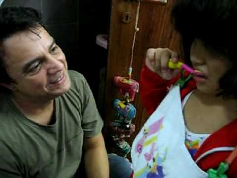 050410 filme aprendendo a escovar os dentes com o tio pedro dentista (1)_xvid.avi Travel Video