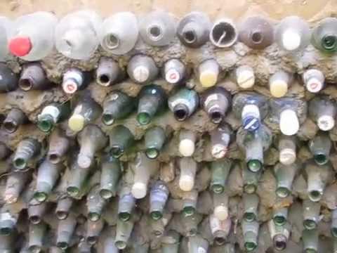 Выгребная яма из бутылок.