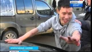 """Водитель и пассажир """"Мерседеса"""" устроили драку с сотрудниками ДПС"""