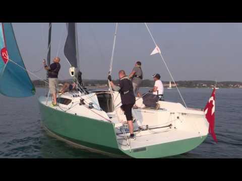 Sådan sejler 3600 kilo lette Frost 38 - minbaad.dk test