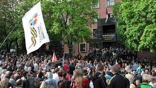 騒乱が続くウクライナ東部ドネツクで、親露派勢力が地方検察庁舎を占拠