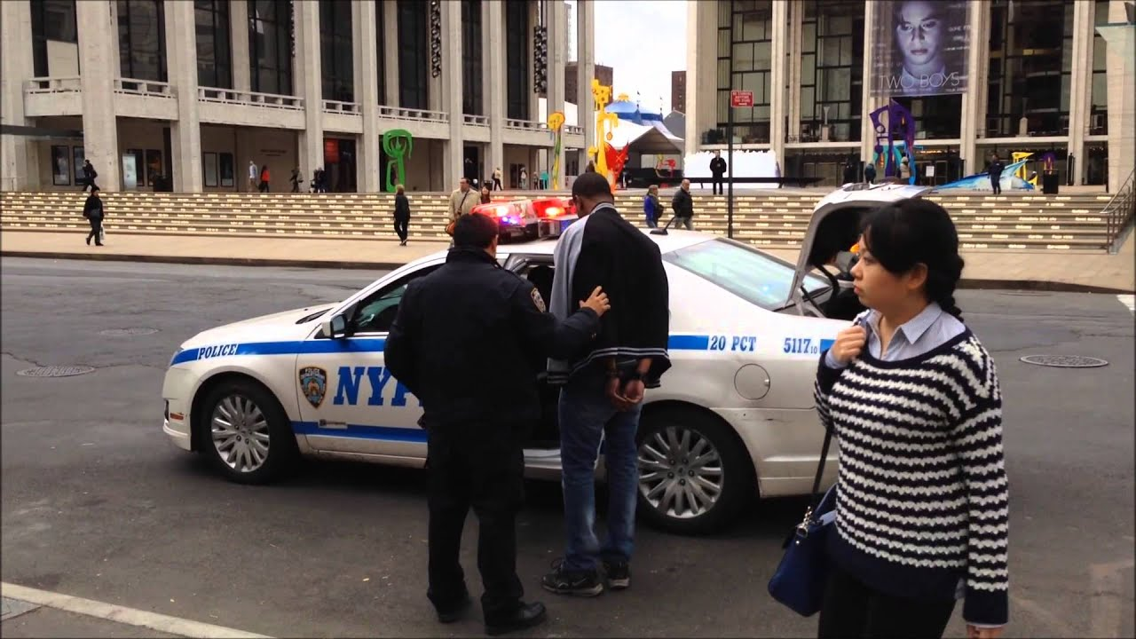 NYPD POLICE OFFICERS ARREST MOTORIST AFTER TRAFFIC STOP AT ...