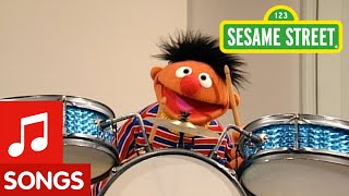 "Sesame Street: Ernie Sings ""I Love My Room"""