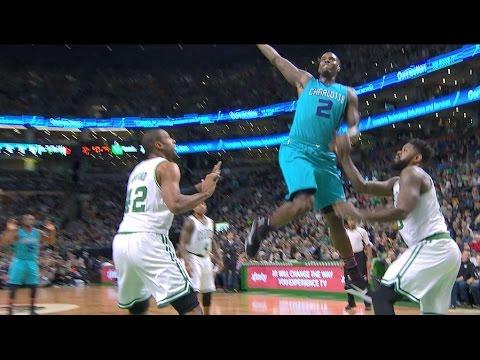 Marvin Williams Tomahawk Slam in Boston | 01.16.17