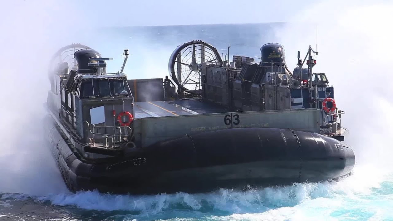 Marines Launches LCAC Hovercraft Aboard USS Boxer (LHD-4 ...