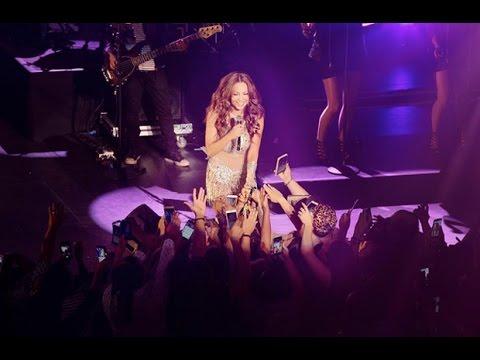 Thalía se tiró del escenario al mejor estilo rock&roll