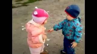 Приколы про детей. Смешное видео. Дети целуются)))))))(Подписываемся на канал)))), 2016-06-20T16:51:01.000Z)