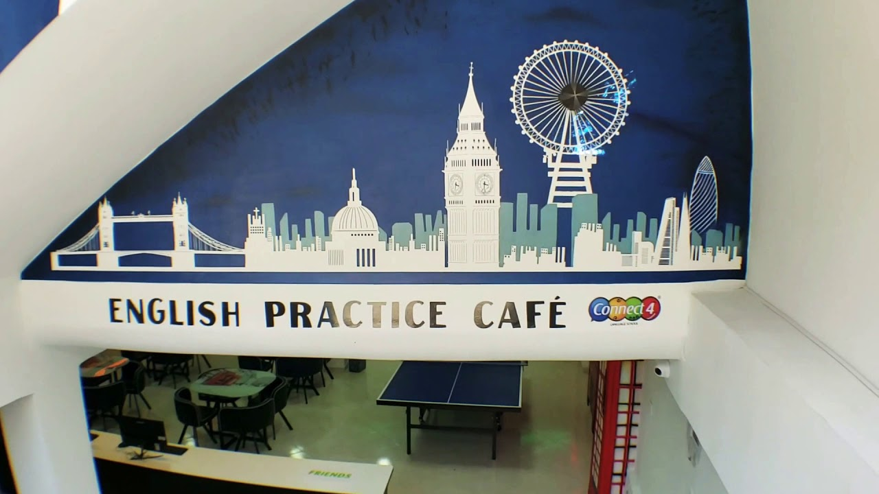 LONDON - CONNECT4'S CAFÉ