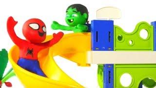 SUPERHERO BABIES HAVE FUN AT THE WATER PARK ❤ Spiderman, Hulk & Frozen Play Doh Cartoons For Kids
