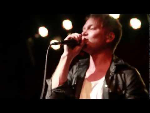 Клип Atomic Tom - Let Let Go Tonight