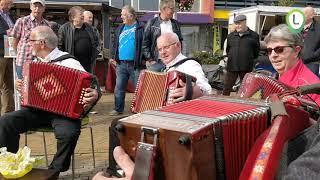 Marktactie  in Wezep met muziek