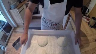Pizzateig selber machen - original italienisches Pizza Rezept aus Neapel