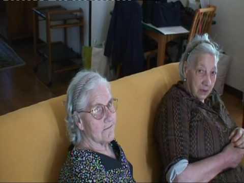 LUGLIO 2011 - RACCOLTA DELLE CILIEGIE DA MIA SORELLA MARIA - ACQUAVIVA DELLE FONTI