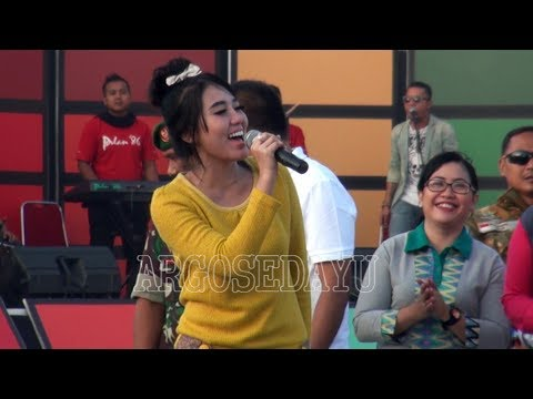 Inbox SCTV Live Karanganyar, Via Vallen SELINGKUH Goyang Bareng Bupati Karanganyar