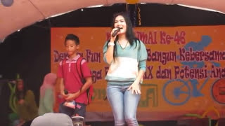 Video Iis Dahlia duet bersama anak nyanyi lagu dangdut download MP3, 3GP, MP4, WEBM, AVI, FLV Mei 2018