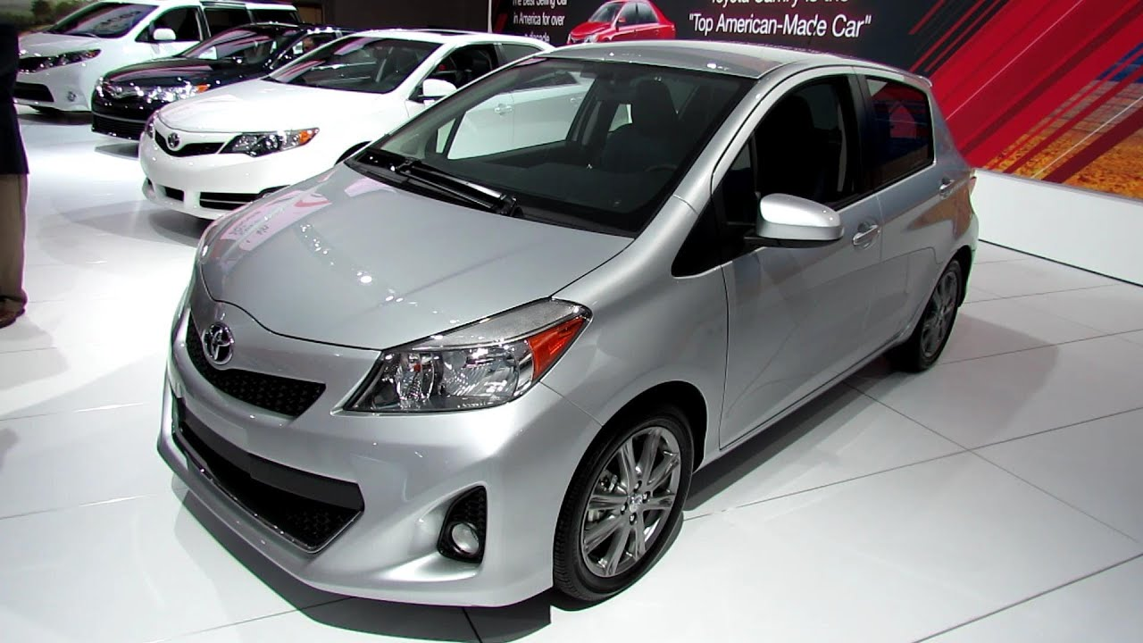 2013 toyota yaris se exterior and interior walkaround 2013 detroit auto show youtube. Black Bedroom Furniture Sets. Home Design Ideas