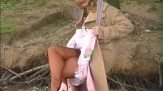 Repeat youtube video blonde - super legs2