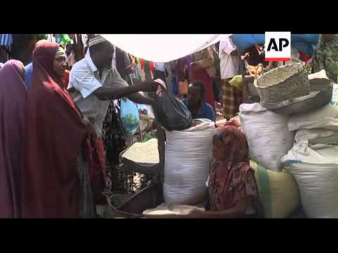 Food aid stolen to sell while tens of thousands of Somalis starve
