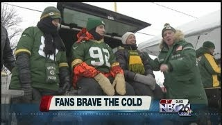Packers Fans Brave Cold Weather