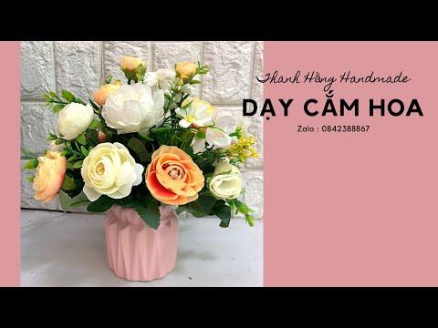 Cách cắm hoa hồng lụa để bàn   Thanh Hằng HandMade   Foci