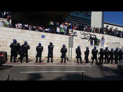 Algérie: le gouvernement ferme les universités pour casser les manifestations estudiantines