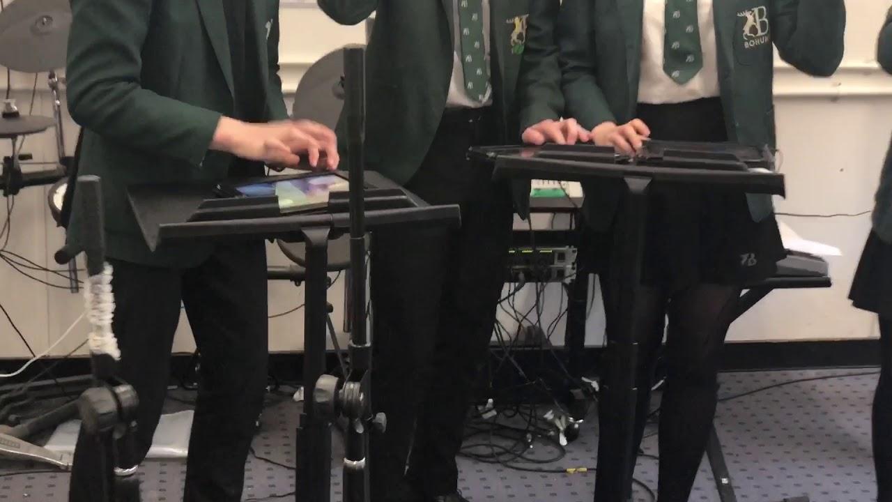 iPad kapela v Bohunt School. Centra kolegiální podpory ec8246c5767