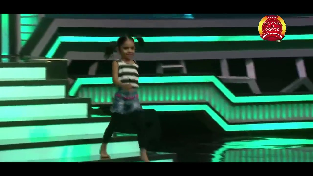 Download Audion dance of Rupsa on cheez badi hai mast