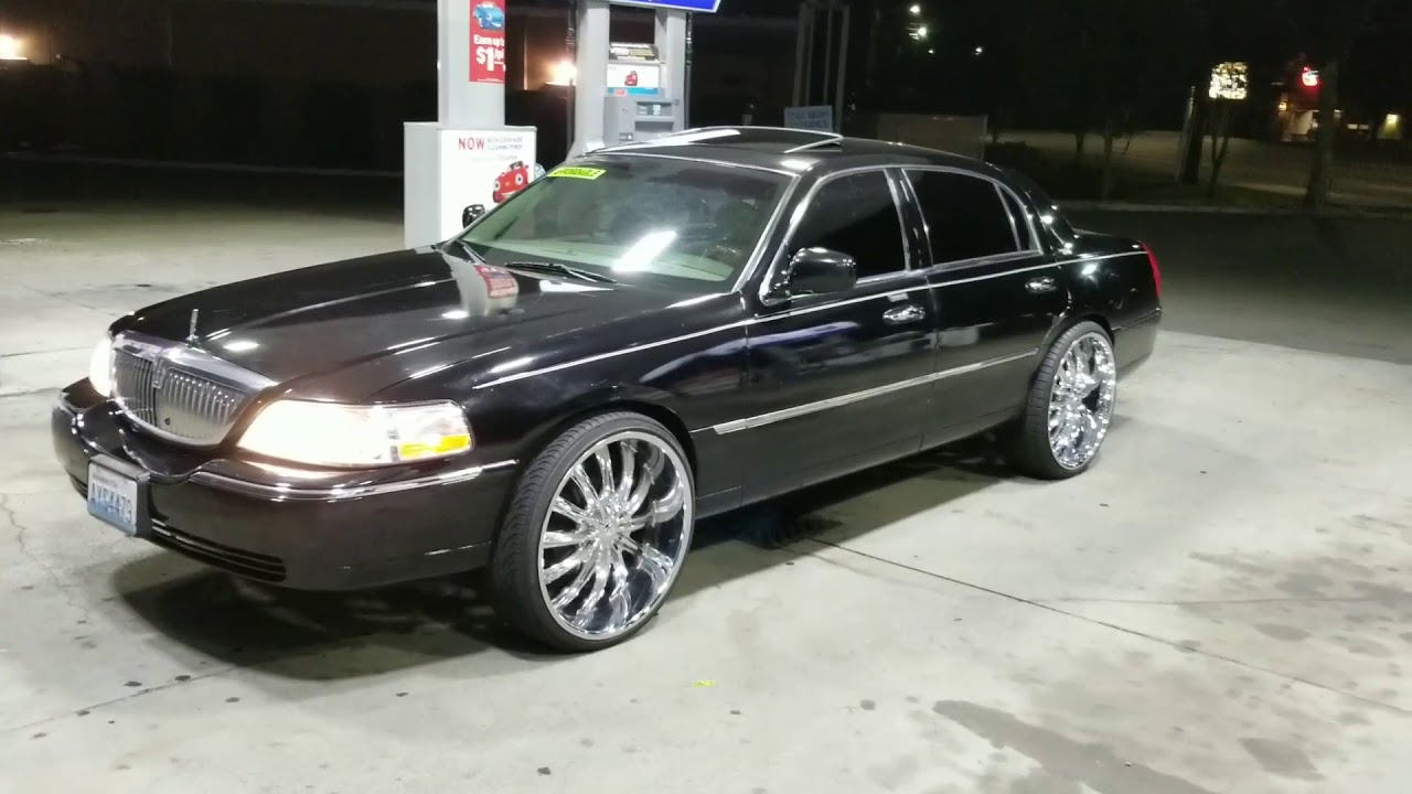 06 Lincoln Towncar On 24s Fully Loaded 4500 Sold Youtube