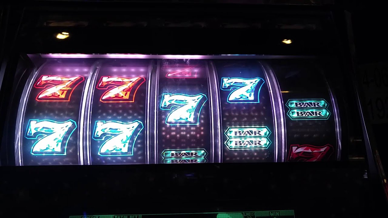 Crystals Slot Machine