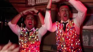 DJ Willem de Wijs en FeestDJ Bas - Hup met z'n alle (Carnaval 2018) (Officiele videoclip)