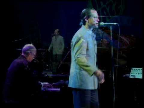 Kurt Elling sings