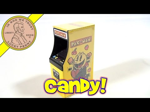 Day #2 - 24 Days Of Christmas 2012 Advent Calendar (Pac-Man Mini Arcade Candy) Santa Toy Contest