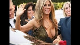JENNIFER ANISTON BACK FROM GREECE