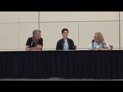 Gotham Panel at Baltimore Comic Con 2017: Living with Doctor Who and Batman