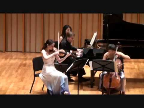 Haydn Piano Trio in C Major HOB XV: 27, III. Finale: Presto