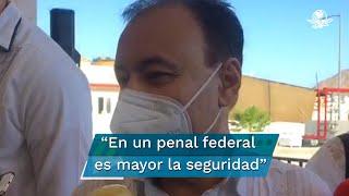 El titular de la SSPC, Alfonso Durazo explicó que el traslado obedece a cuestiones de seguridad para el líder de El Cártel de Santa Rosa de Lima