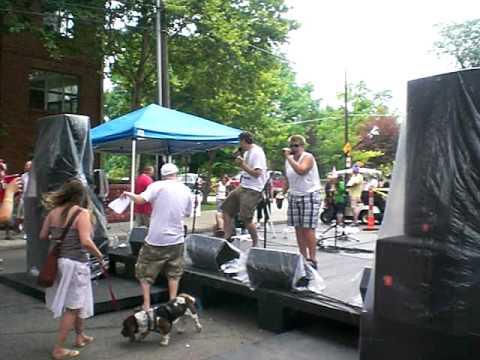 2009 Doo Dah Parade Columbus Ohio Block Party karaoke