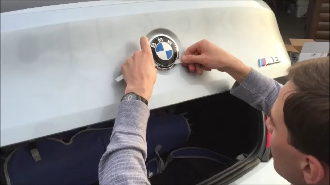 Bmw E63 E64 M6 Roundel Removal Youtube